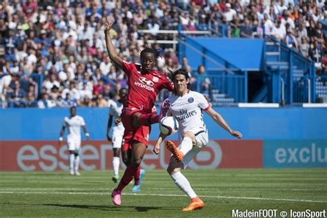 Calendrier Ligue 1 Lyon Psg Photos Psg Bakary Kone Edinson Cavani 01 08 2015