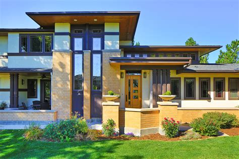 Frank Lloyd Wright Style Houses by Frank Lloyd Wright Inspired Porch Front Homes