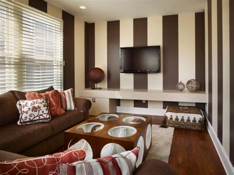 lovely living rooms  striped walls