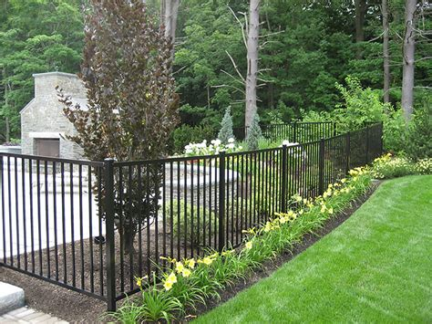 Mobile Home Yard Design fences gates amp structures nd landscaping
