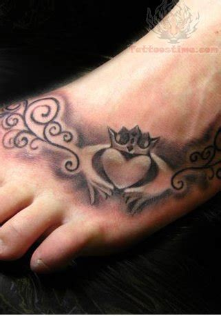 claddagh wrist tattoo claddagh tattoos page 7