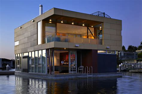 Small Homes On The Water Luxurious Floating Home Makes The Most Of Its Small