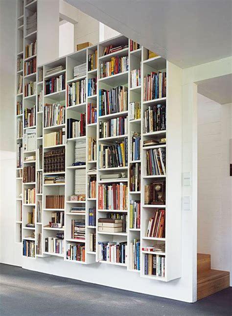 bookshelf libro verticale bookcase vertical bookshelves kraus schoenberg fraai design met een rustig asymmetrisch evenwicht