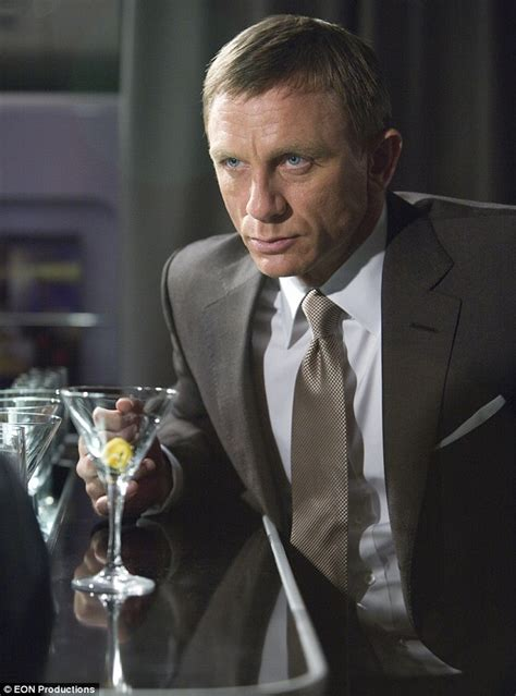 james bond martini shaken not stirred daniel craig reveals he can t get drunk now he s james