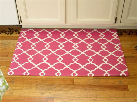 Diy Area Rug From Fabric Diy How To Make A Quatrefoil Design Area Rug