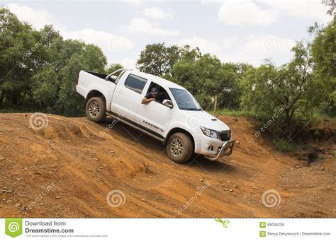 Toyota Four Wheel Drive Four Wheel Drive Vehicle Toyota Hilux Legend 45 Is Doing