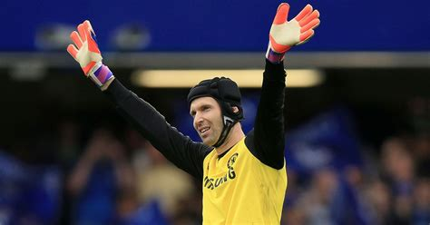 chelsea keeper arsenal s petr cech transfer close to completion after
