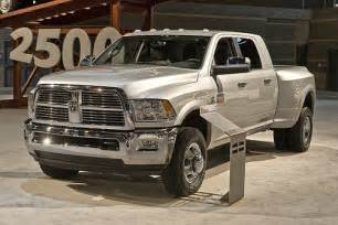 dodge ram wins truck of the year runde auto chat