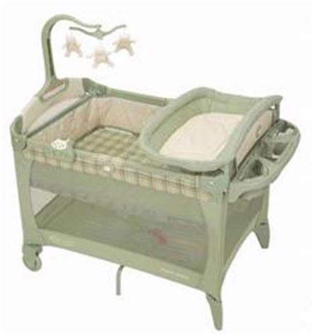 Graco Pack N Play Bassinet Mattress by Graco 9e02bat Pack N Play W Bassinet Changer Mobile And