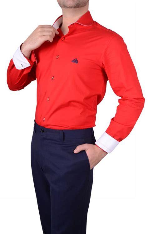 Dress Kode 061 camisa hombre club roja contrastes en blanco cuello
