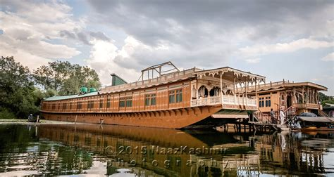 luxury house boat luxury houseboat in kashmir naaz kashmir