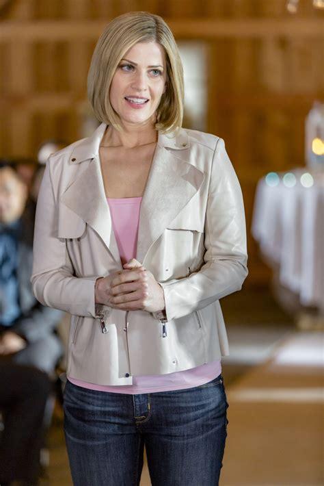 Wedding Bell Cast by Tammy Gillis As On Wedding Bells Hallmark Channel
