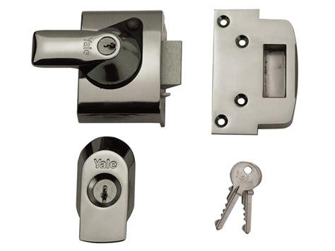Standard Chagne Brass Front Door Lock Nightlatch Latch 60mm Backset Ebay Yale Locks Yalpbs2ch Aluminiumwarehouse