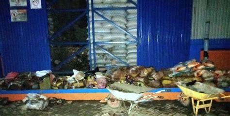 Minyak Goreng Bulog ratusan karung beras rastra rusak di gudang bulog sub