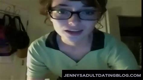 cute nerdy waitress gets naked xvideos