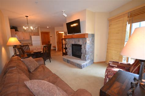Tv And Fireplace In Living Room by Ideas Naperville Park District Naperbrook Decorating For
