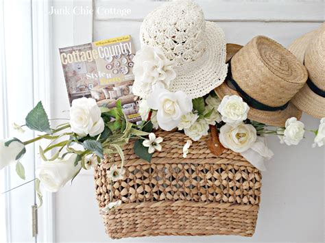 country cottage magazine junk chic cottage rh cottage country magazine road side