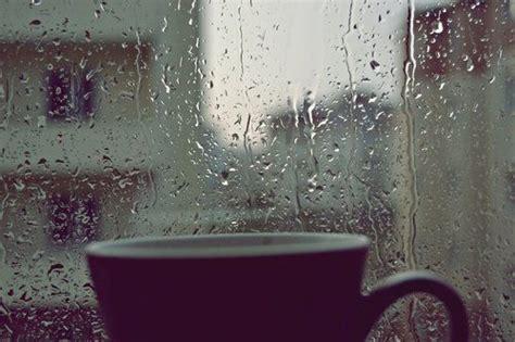 Aku Kamu Dan Hujan tentang kamu dan hujan persamaan tentang penantian