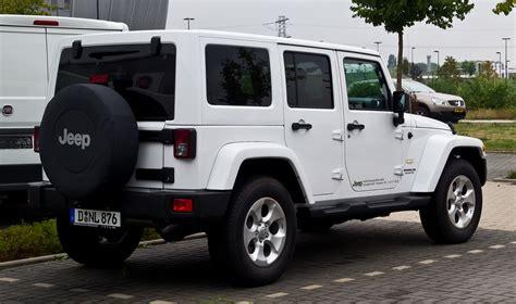 jeep wrangler sahara file jeep wrangler unlimited 2 8 crd sahara jk