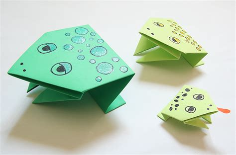 Paper Frog Craft - simple origami jumping frogs for passover creative
