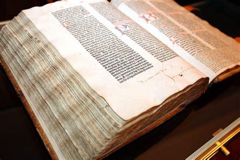 gutenberg bible wikipedia st isidors minne