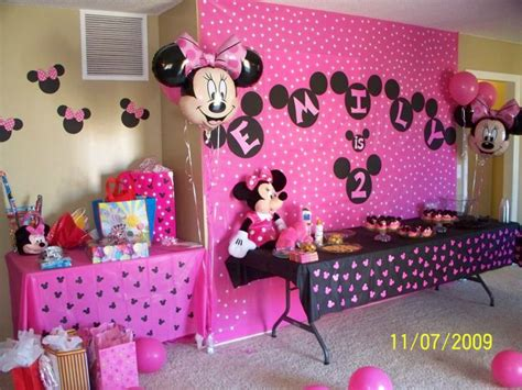 home made birthday decorations homemade decorations 1st birthday ideas minnie mouse
