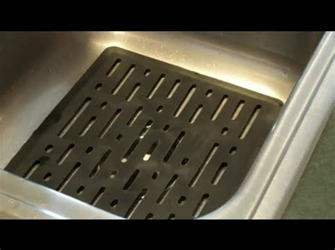 how to clean rubber mats in a kitchen sink cleaning the