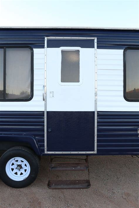 Wohnmobil Lackieren Kosten by Cer Makeover How To Repaint A Travel Trailer