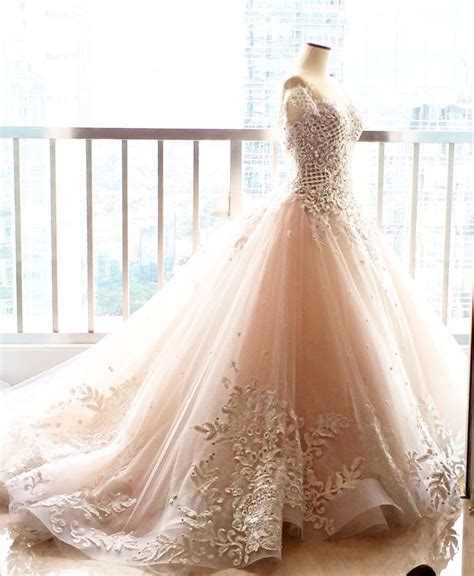 White Wedding Gown Shopping by 25 Best Ideas About White Wedding Dresses On