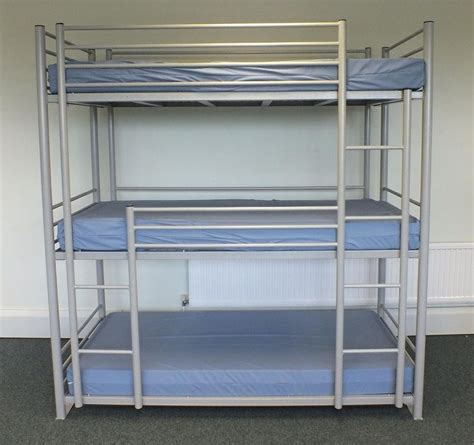 triple bunk beds for kids 1000 images about kids bedroom on pinterest triple bunk
