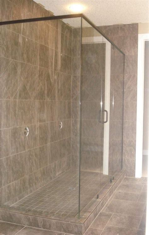 Used Shower Doors by 1000 Ideas About Bathroom Shower Enclosures On