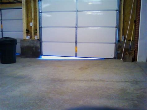 Uneven Garage Door by Signs Of A Shifting Foundation Our House Is Sliding