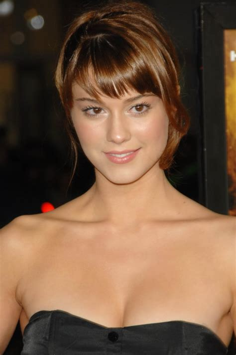 mary elizabeth winstead bra size age weight height celebrity gossip blog featuring the latest celebri