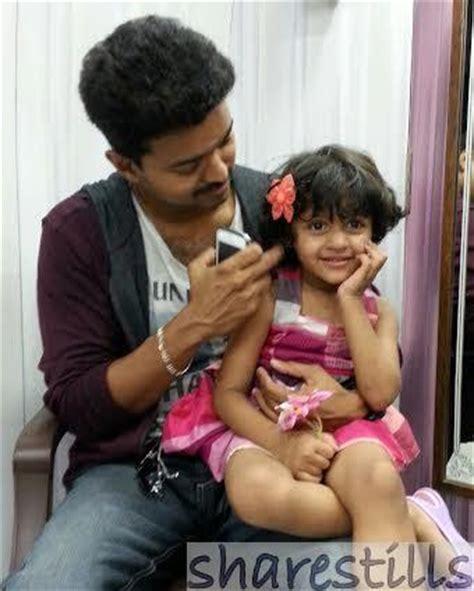 actor vijay daughter recent photos actor vijay visit late major mukund varadarajan family