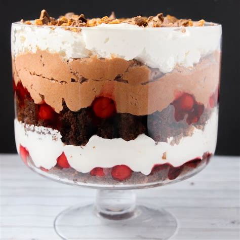 easy 5 ingredient black forest trifle with cherry pie