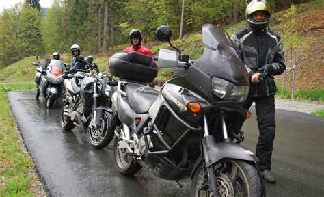 Motorradfahren Im Regen by 1 1000ps Usertraining Event