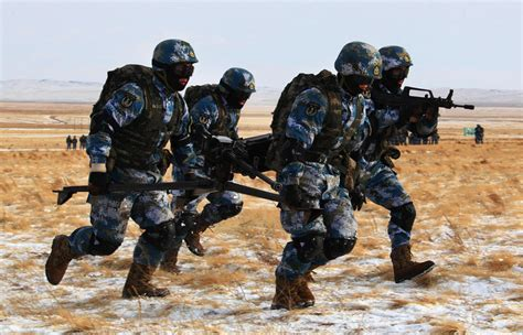 runs big world a marine s path to peace books marines in freeze 2 chinadaily cn