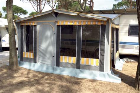 verande caravan montaggio veranda roulotte