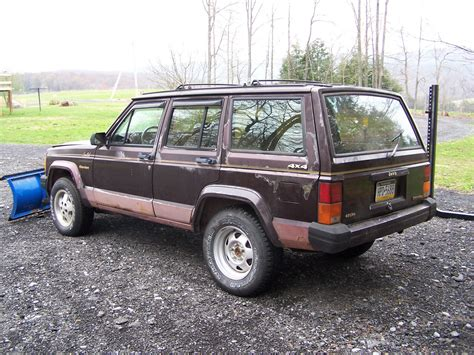 jeep snow 1989 jeep cherokee limited with snow plow classic jeep