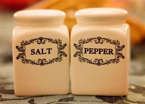 kosher salt vs table salt kosher salt vs sea salt differences with himalayan pink