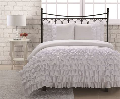 white shabby chic bedding ruffled bedding is frilly and feminine webnuggetz com decorate my house
