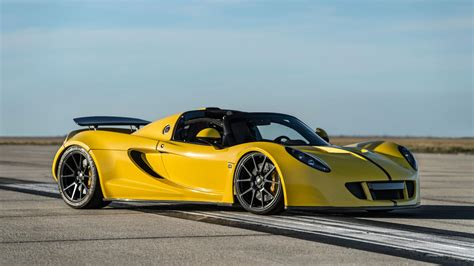what car beat the bugatti veyron hennessey venom gt beats the veyron as fastest convertible