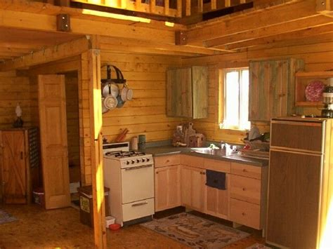 cabin kitchen cabinets best 25 small cabin kitchens ideas on pinterest small
