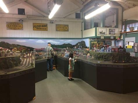 trains media room model room picture of national new york central railroad museum elkhart tripadvisor