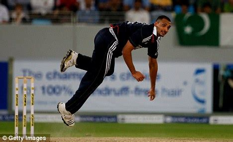 swing bowling action england s ajmal shahzad my debt to pakistan legends waqar