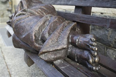 homeless jesus on park bench pope francis to see homeless jesus during u s visit