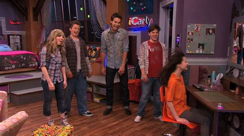 icarly bedroom icarly 4x01 igot a hot room icarly image 21399930