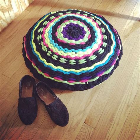hoola hoop rug 17 best ideas about hula hoop rug on hula hoop weaving t shirt crafts and diy rugs