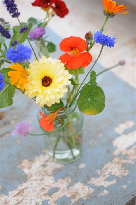 Growing Edible Flowers Top 10 Plants With Edible Flowers Edible Flower Garden