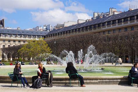 jardin du palais royal un dimanche autour du jardin du palais royal bellacity
